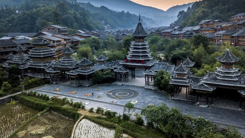 Explore China - In the Land of the Dong in Hunan, Guangxi and Guizhou