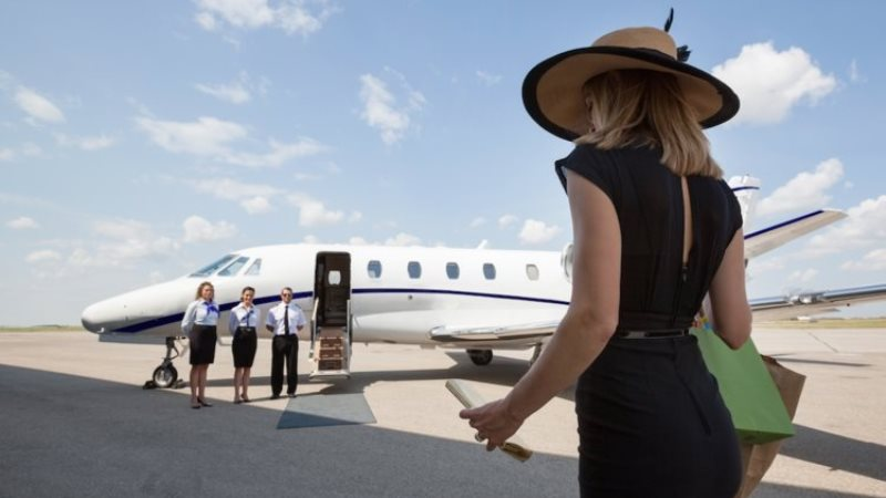 How To Travel Like A Jet Setter